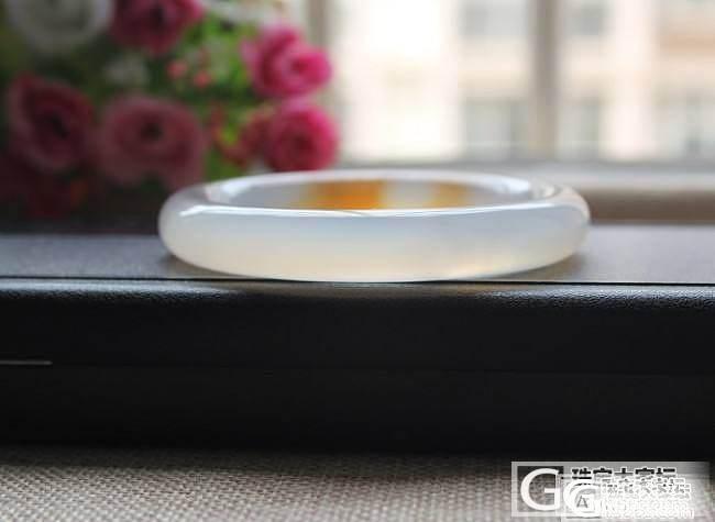 【挽玉阁】特价橘黄俏色玉髓手镯圆条开运7558号 260元包顺